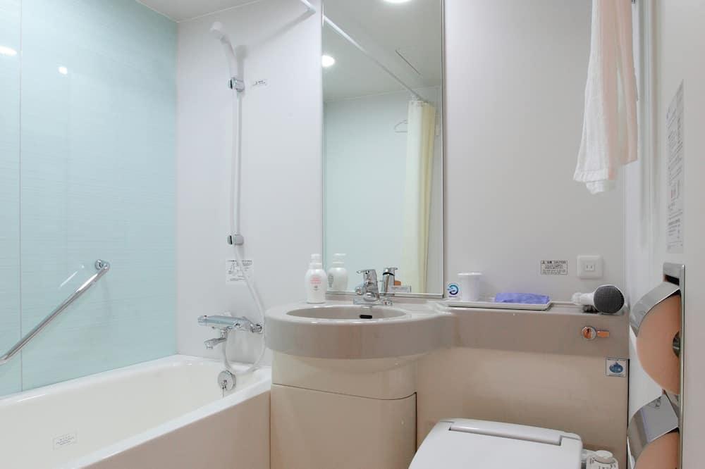 Chambre avec lits jumeaux, fumeurs - Salle de bain