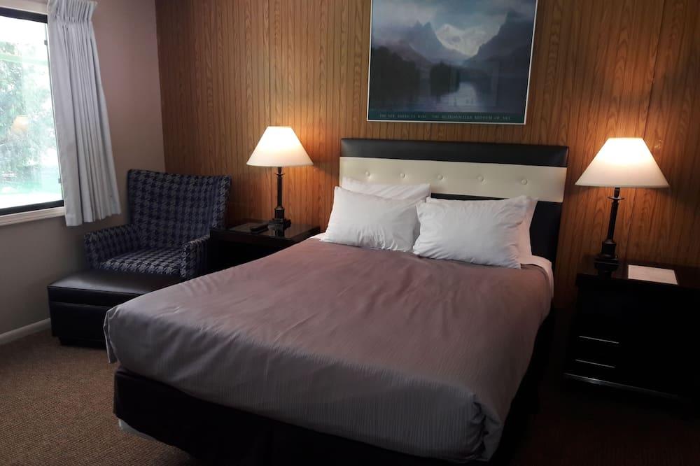 Monroe Motel, Monroe