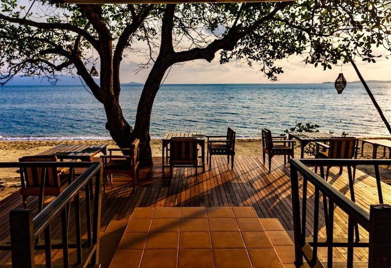 Saree Samui Natures Finest Resort, Koh Samui, Γεύματα σε εξωτερικό χώρο