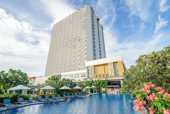 Picture of Golden Beach Cha-Am Hotel in Cha-am