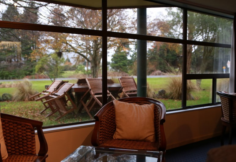 Tussock Grove Boutique Hotel, Ohakune, Garden