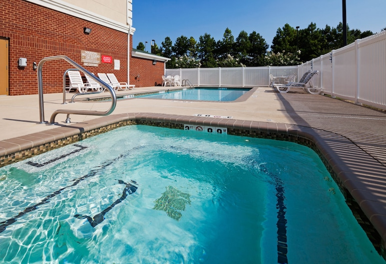 Country Inn & Suites by Radisson, Homewood, AL, Birmingham, Piscina