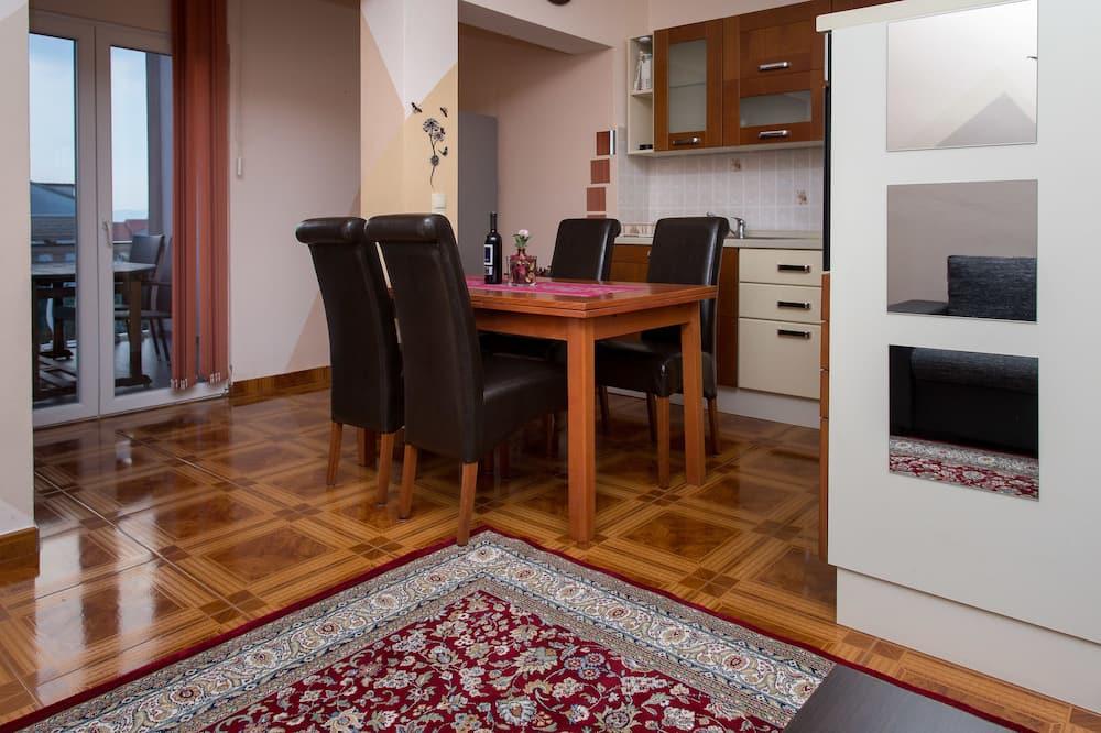 Comfort Διαμέρισμα, 2 Υπνοδωμάτια, Βεράντα - Καθιστικό