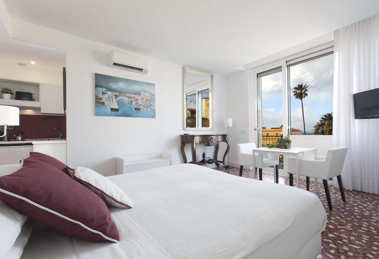 Sorrento Apartments, Sorrent, Deluxe-Studio, Balkon, Zimmer