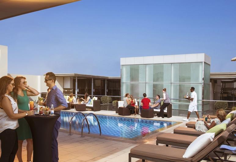 巴沙中心飯店, 杜拜, 游泳池