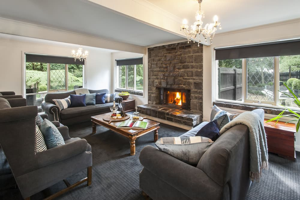 The Carriagehouse - Living Room