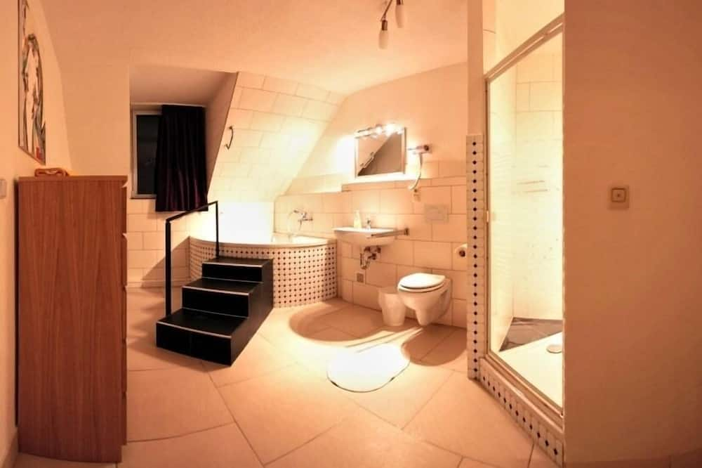 Comfort-Doppelzimmer, mit Bad - Badezimmer