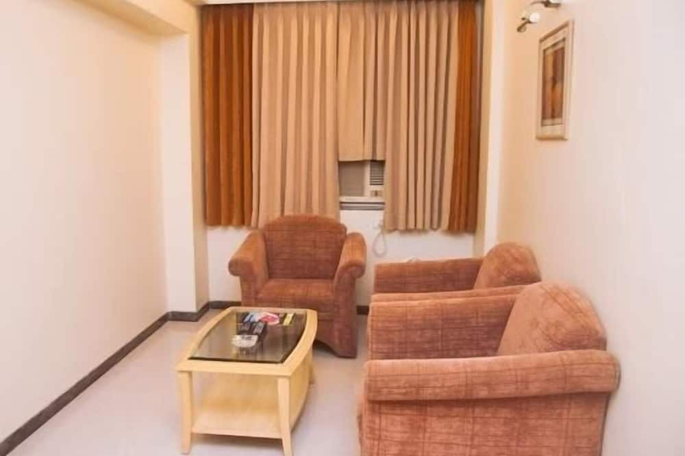 Senate Suite - Living Area