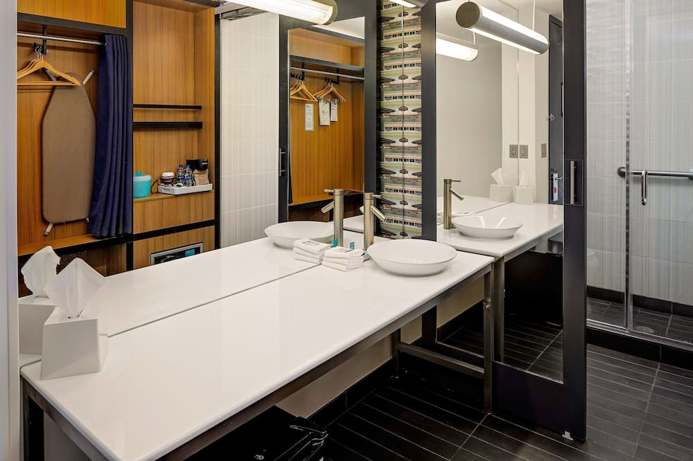 aloft Room, Room, 2 Queen Beds, Non Smoking - Bathroom