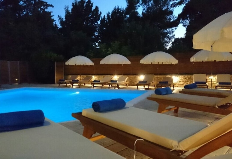 Anastazia Luxury Suites & Rooms, Dionysos