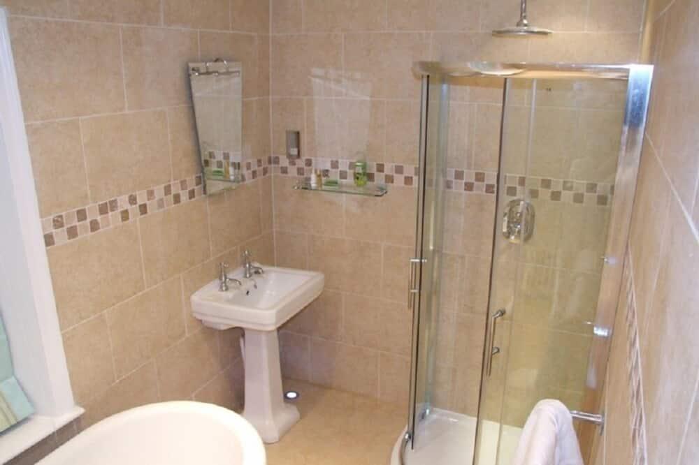 The Gee Room - Bathroom
