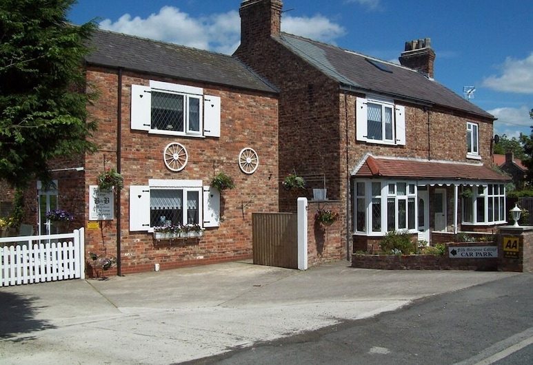 Fifth Milestone Cottage, York
