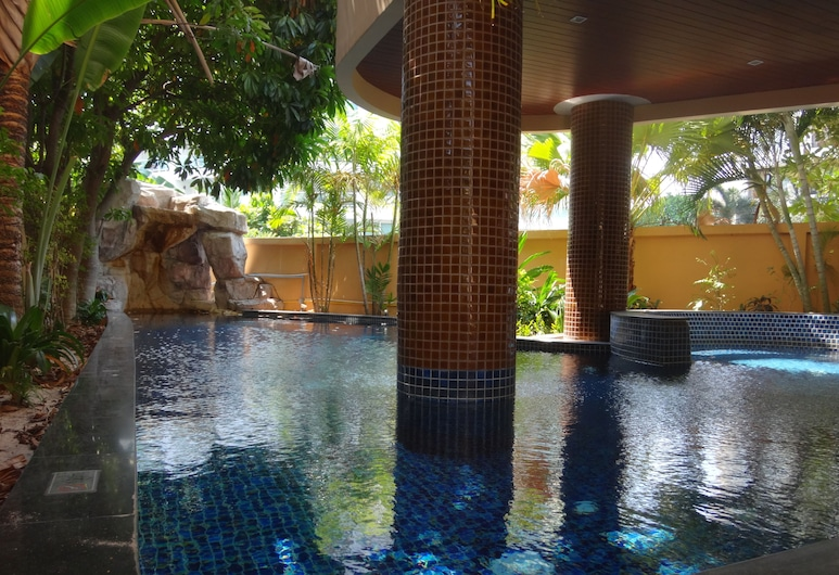Nova Gold Hotel, Pattaya, Hồ bơi