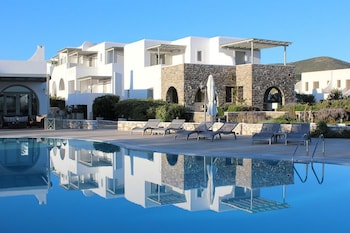 Enter your dates to get the best Paros hotel deal