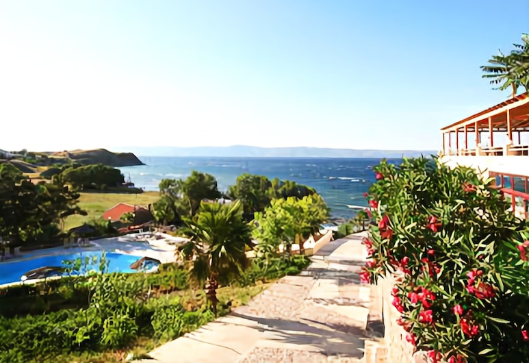 Viva Mare Hotel, Lesvos, Property Grounds