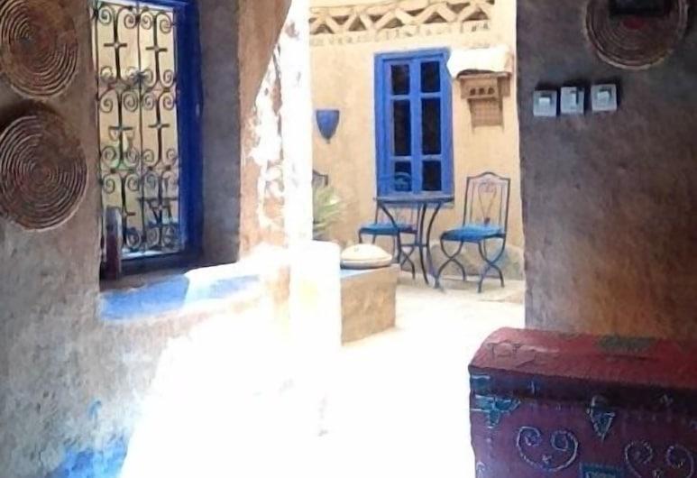 Chez Youssef, Taouz, Lobby