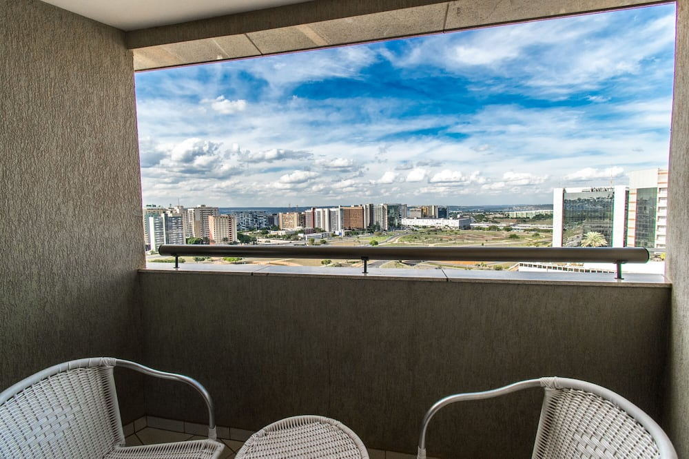 Planalto Suite Queen with Tower TV View (4AD) - Lanai
