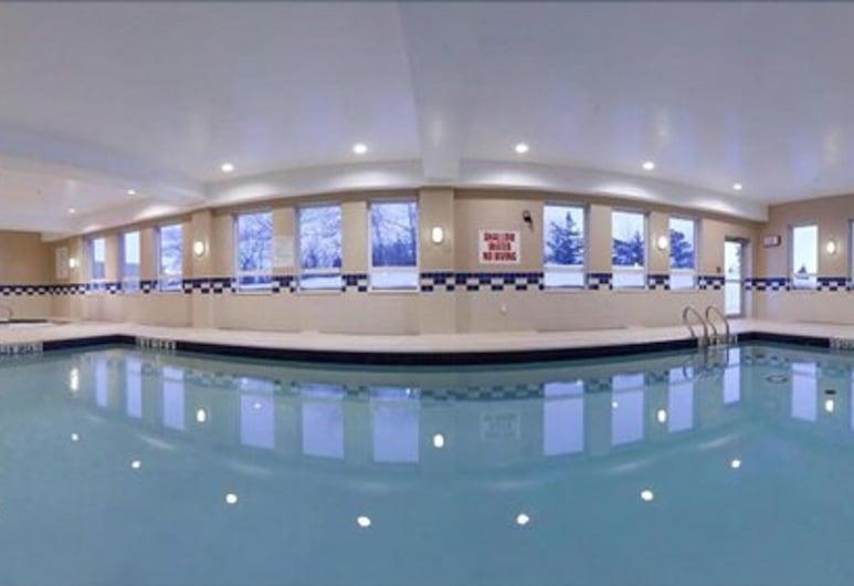 Holiday Inn Express Hotel & Suites Kincardine - Downtown, an IHG Hotel, Kincardine, Piscina Interior