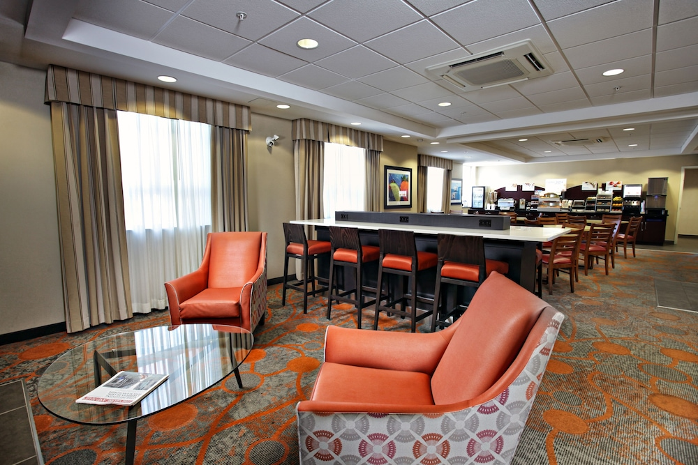 Book Holiday Inn Express Hotel Suites Kincardine Downtown In Hotels