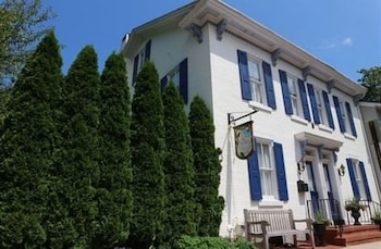 Picture of The Tawsty Flower Bed & Breakfast in Lewisburg