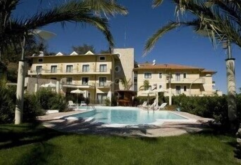 Hotel Levante, Fossacesia, Bagian Depan Hotel