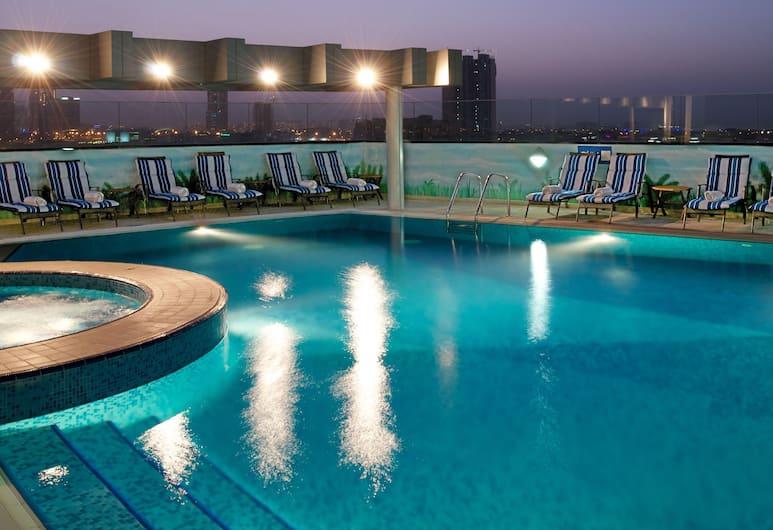 Ramada by Wyndham Chelsea Al Barsha, Dubai, Rooftop Pool