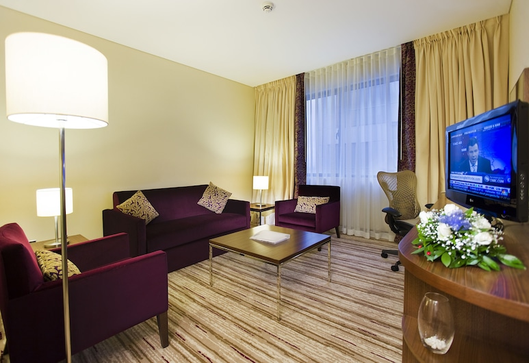 庫塔希亞希爾頓花園旅館, 屈塔希亞, King One Bedroom Suite, 客廳