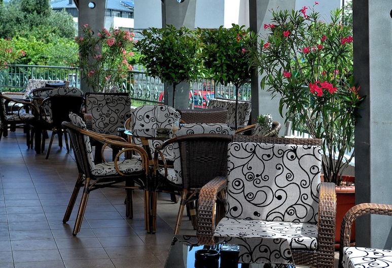 Keto Hotel, Podgorica, Terrace/Patio