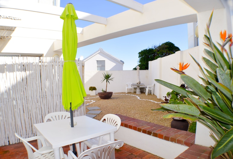 Small Bay Guest House, Cape Town, Double or Twin Room, Terrace/Patio
