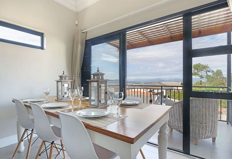 Star Holiday Apartments, Cape Town, BOUGANVILLE 3 BEDROOM 2 BATHROOM APARTMENT, Room