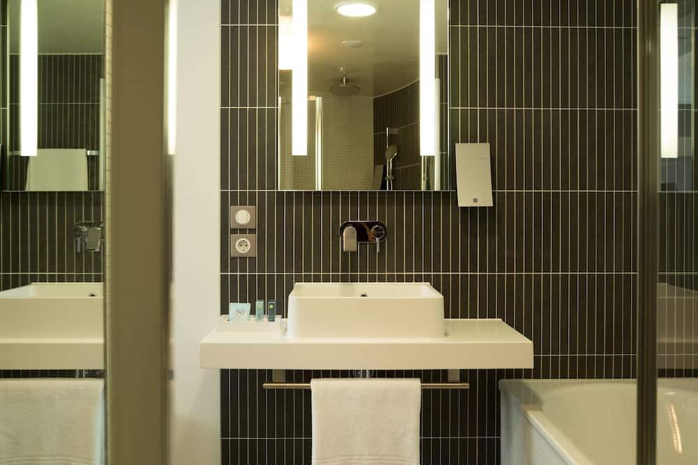 Superior suite, Meerdere bedden - Badkamer