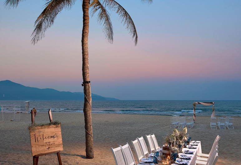 Pullman Danang Beach Resort, Da Nang, Playa