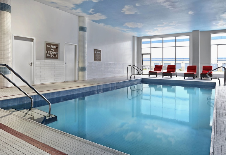 Four Points by Sheraton Calgary Airport, Calgary, Indoor Pool