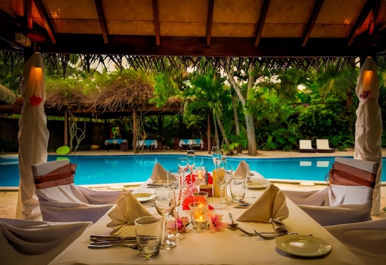Sanctuary Rarotonga-on the beach-Adults Only, Rarotonga, Speisen im Freien