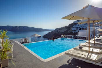 Picture of La Perla Villas in Santorini