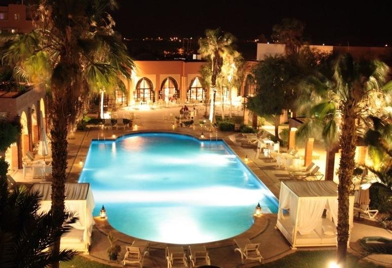 Hotel Karam Palace, ווארזאזאת, בריכה חיצונית