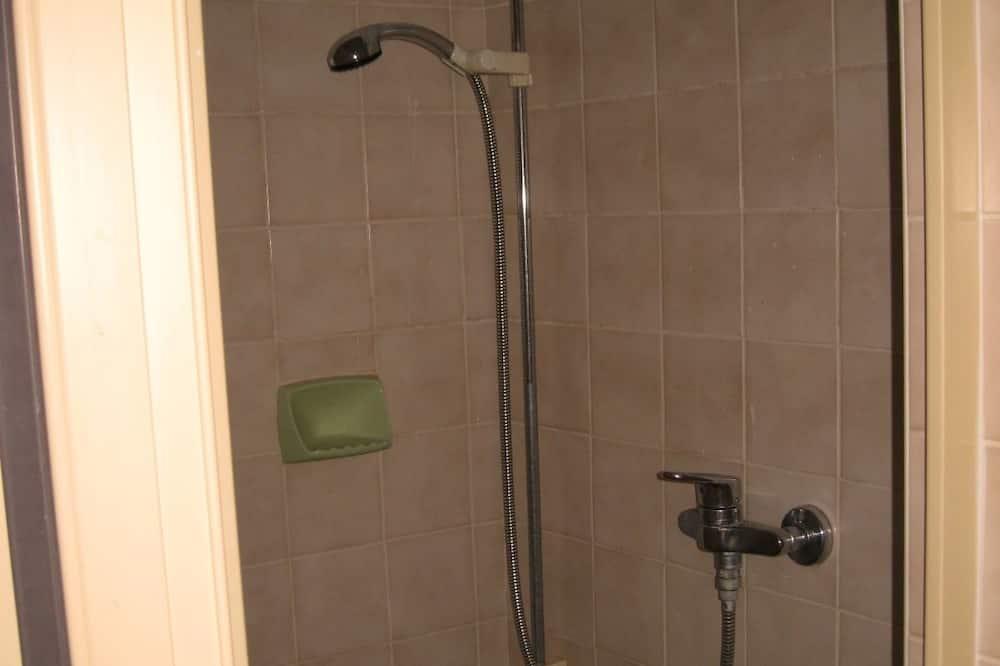 Standard - kahden hengen huone - Kylpyhuoneen suihku