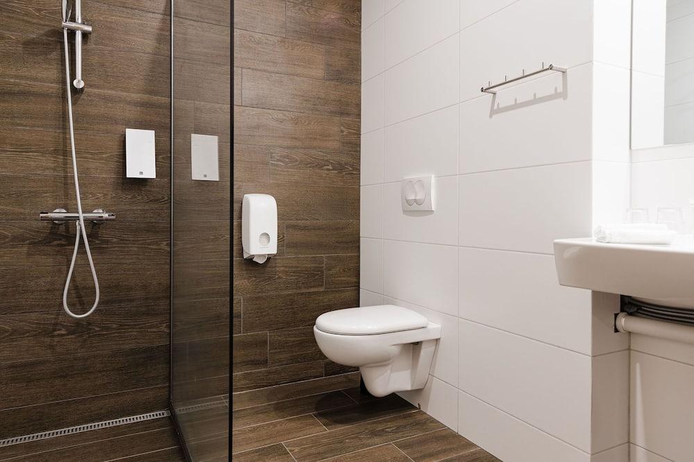 Superior Double or Twin Room with Hot Tub Access - Cuarto de baño