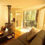 Treetops Tri-Level Cottage 3  - Living Area
