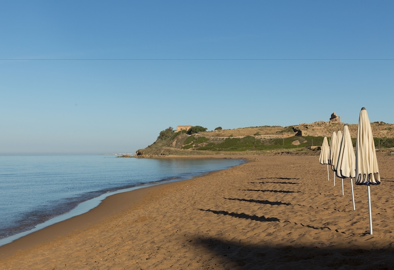 لا روزا هوتل, كاسيلفيترانو, الشاطئ