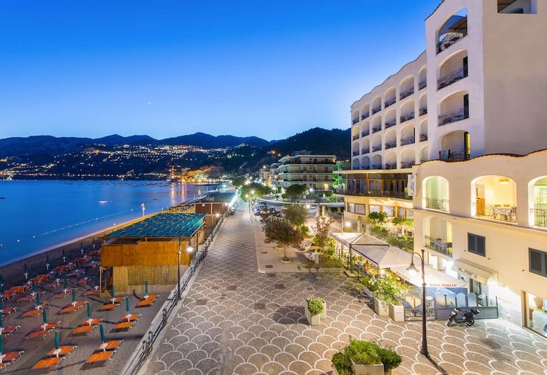Hotel Sole Splendid, Майори
