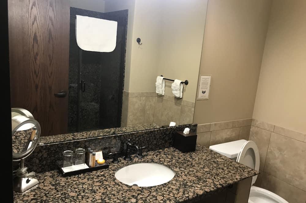 经典客房, 1 张特大床, 无烟房 - 浴室