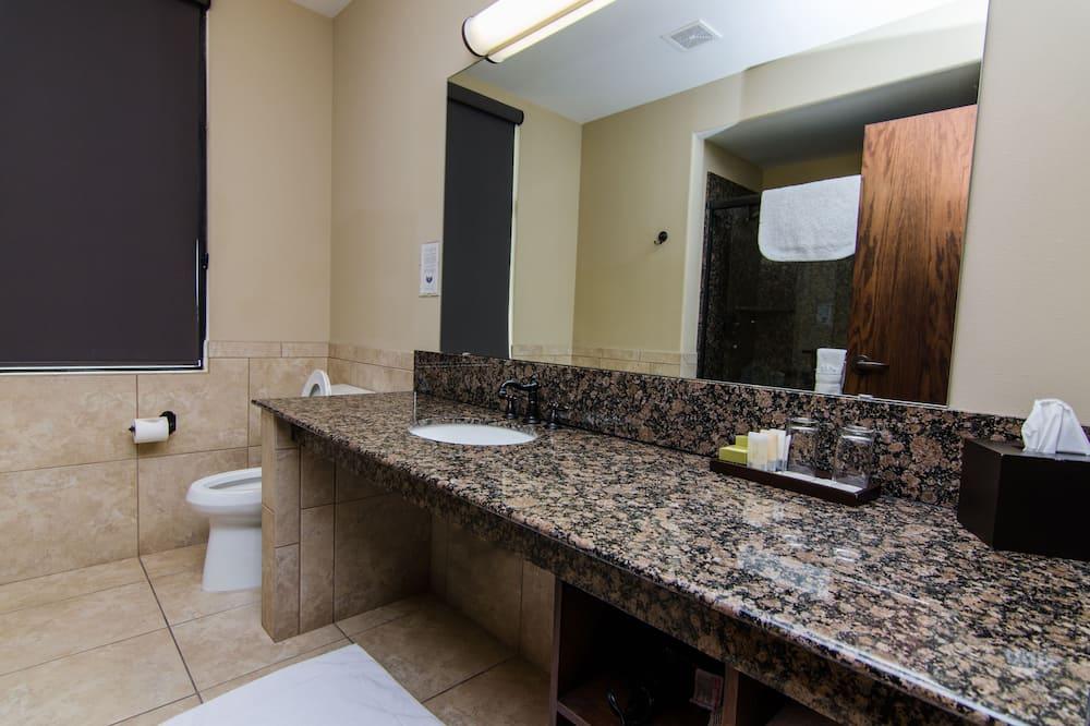 客房, 1 张特大床, 无烟房 - 浴室