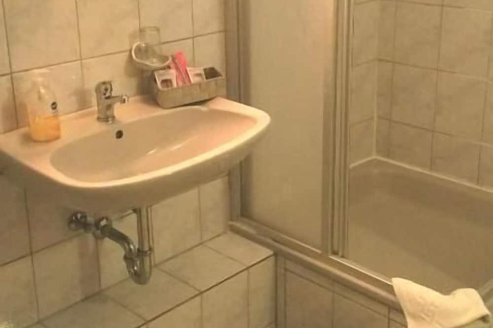 Kamar Single Klasik - Kamar mandi