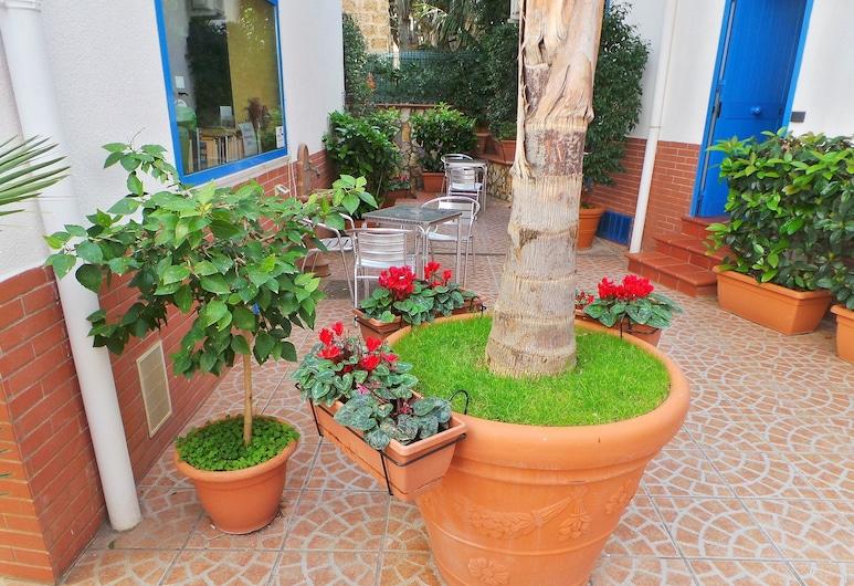 Al Baglio - Bed & Breakfast, Palermo, Innergård