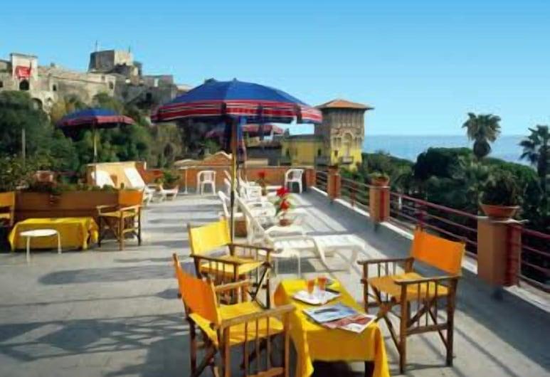 Hotel Colibrì, Finale Ligure, Ristorazione all'aperto