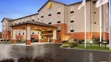 Reserve this hotel in Pennsville, New Jersey