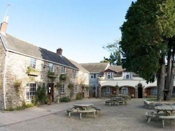 The Crooked Inn