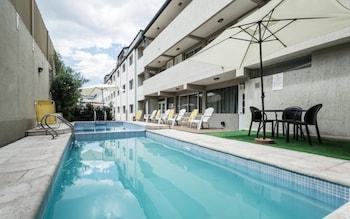 Picture of Soltigua Apart Hotel Mendoza in Mendoza