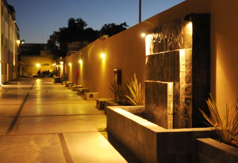 Soltigua Apart Hotel Mendoza, Mendoza, Terrasse/Patio
